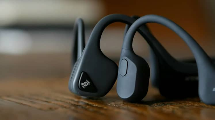 Aftershokz Aeropex review - Treks Air vs Titanium - Best bone conduction headphones